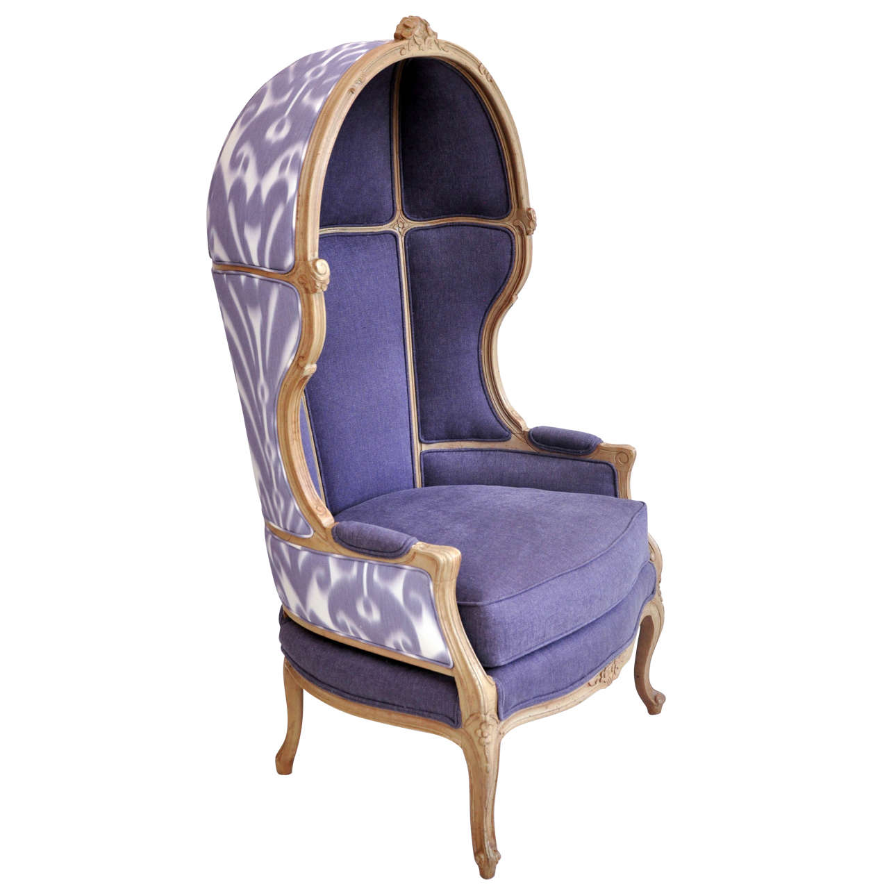 Antique Hooded Porteru0027s Chair For Sale