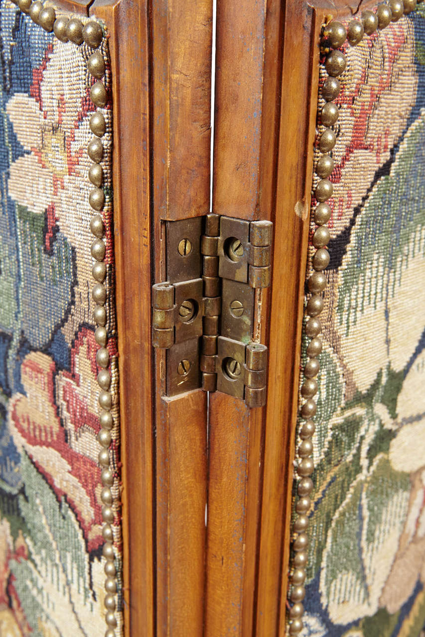 Small French Folding Screen With Floral Tapestry In Good Condition For Sale In Dallas, TX