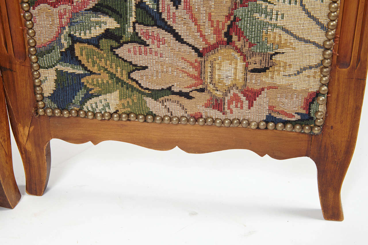 Small French Folding Screen With Floral Tapestry For Sale 1