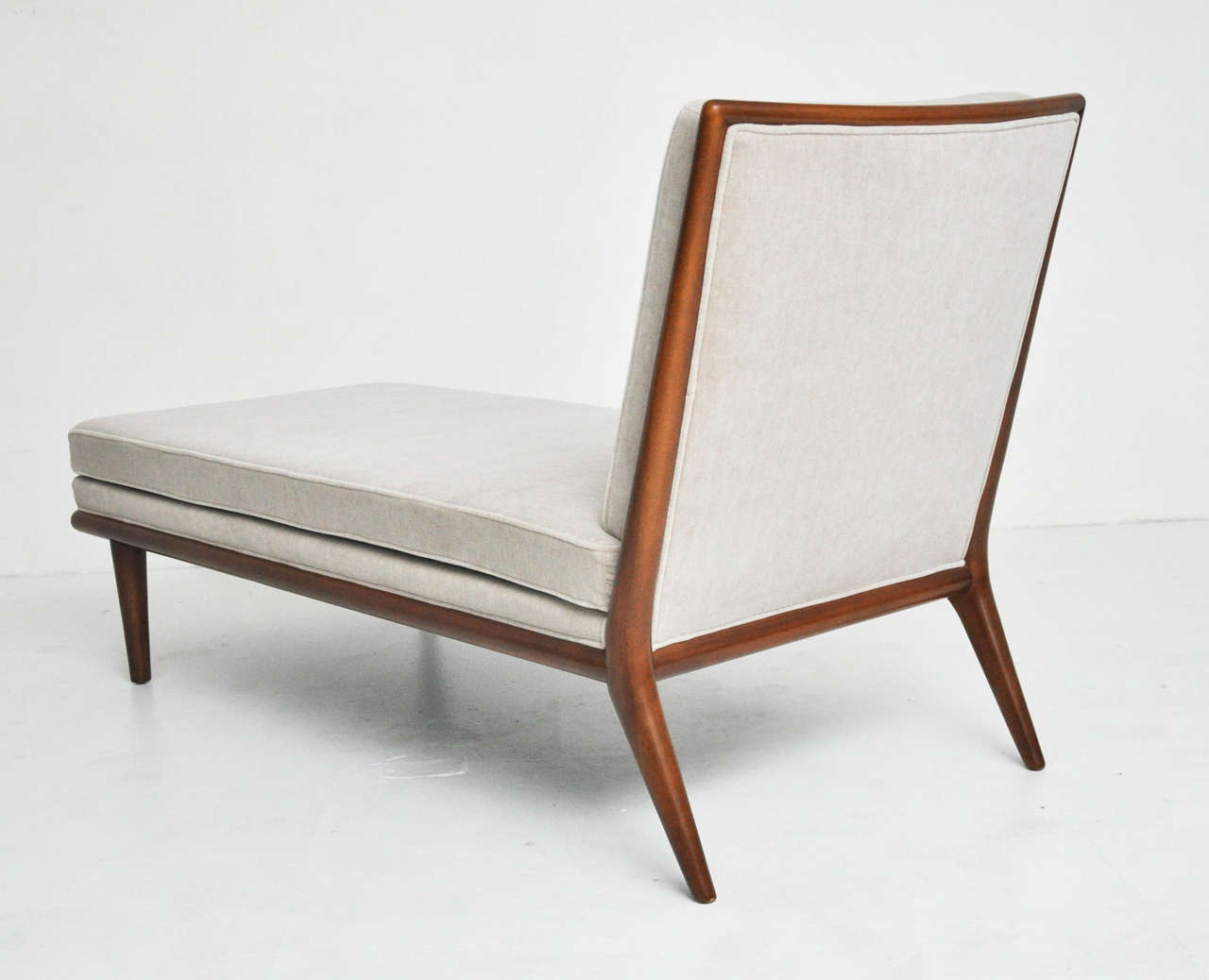 T h robsjohn gibbings chaise longue for sale at 1stdibs for Chaise longue sale