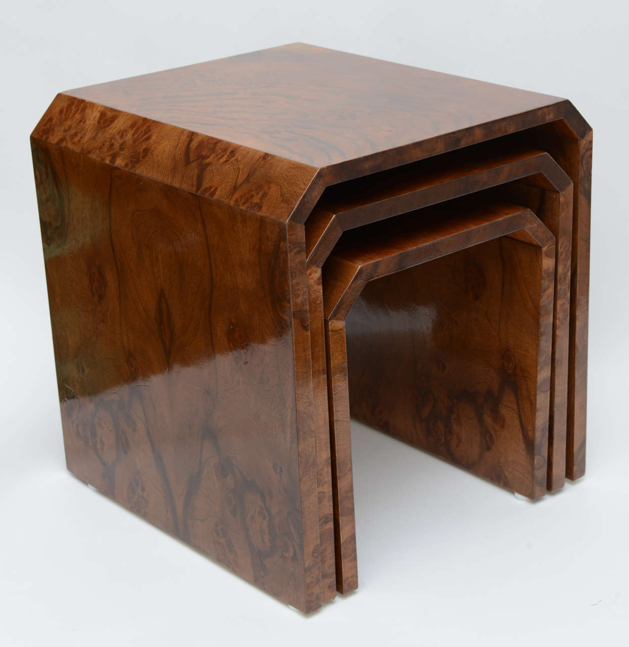 Tommaso Barbi Burl Wood Nesting Tables Image 3. Full resolution  portraiture, nominally Width 1244 Height 1280 pixels, portraiture with #3C1E0C.