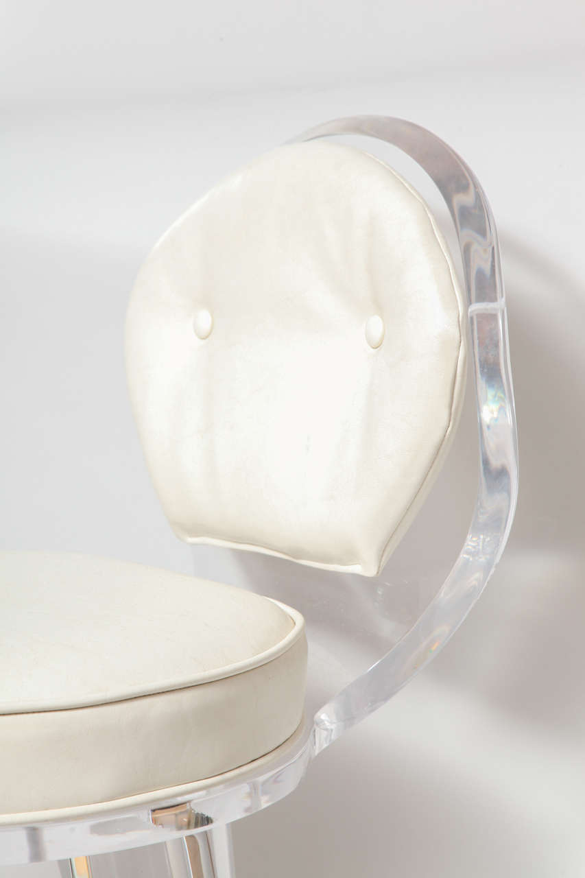 Lucite Upholstered Rolling Swivel Vanity Chair In Excellent Condition In New York, NY