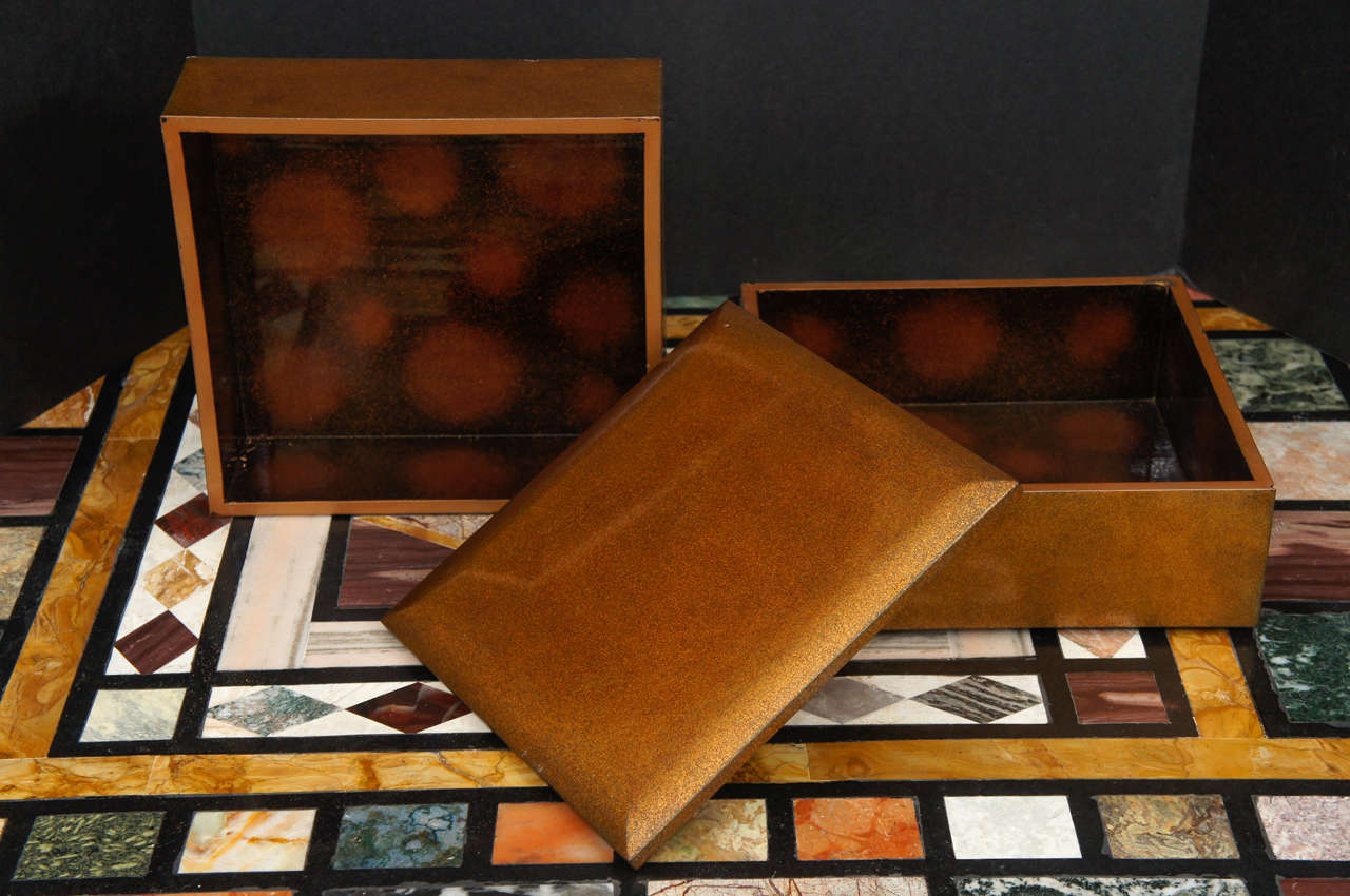 Meiji Period Japanese Lacquered Gold Two-Part Box In Good Condition For Sale In Hudson, NY