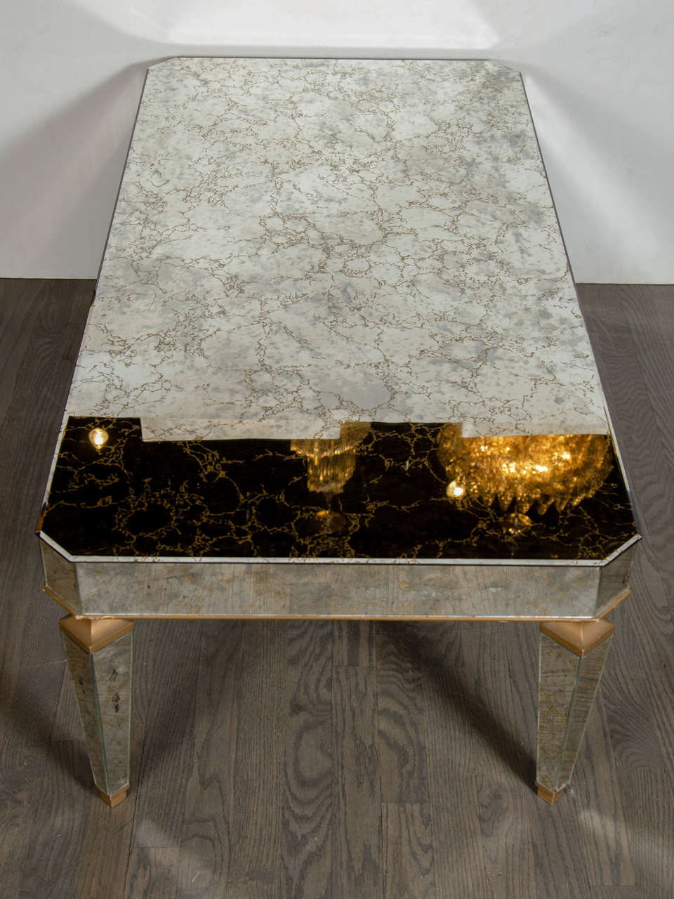 1940s Hollywood Regency Mirrored & Gilt Cocktail Table in the Manner of Jansen For Sale 1