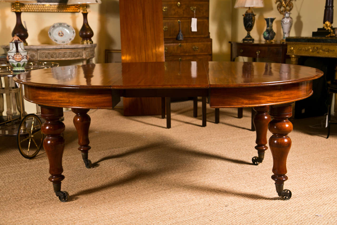 round or oval dining table at 1stdibs. Black Bedroom Furniture Sets. Home Design Ideas