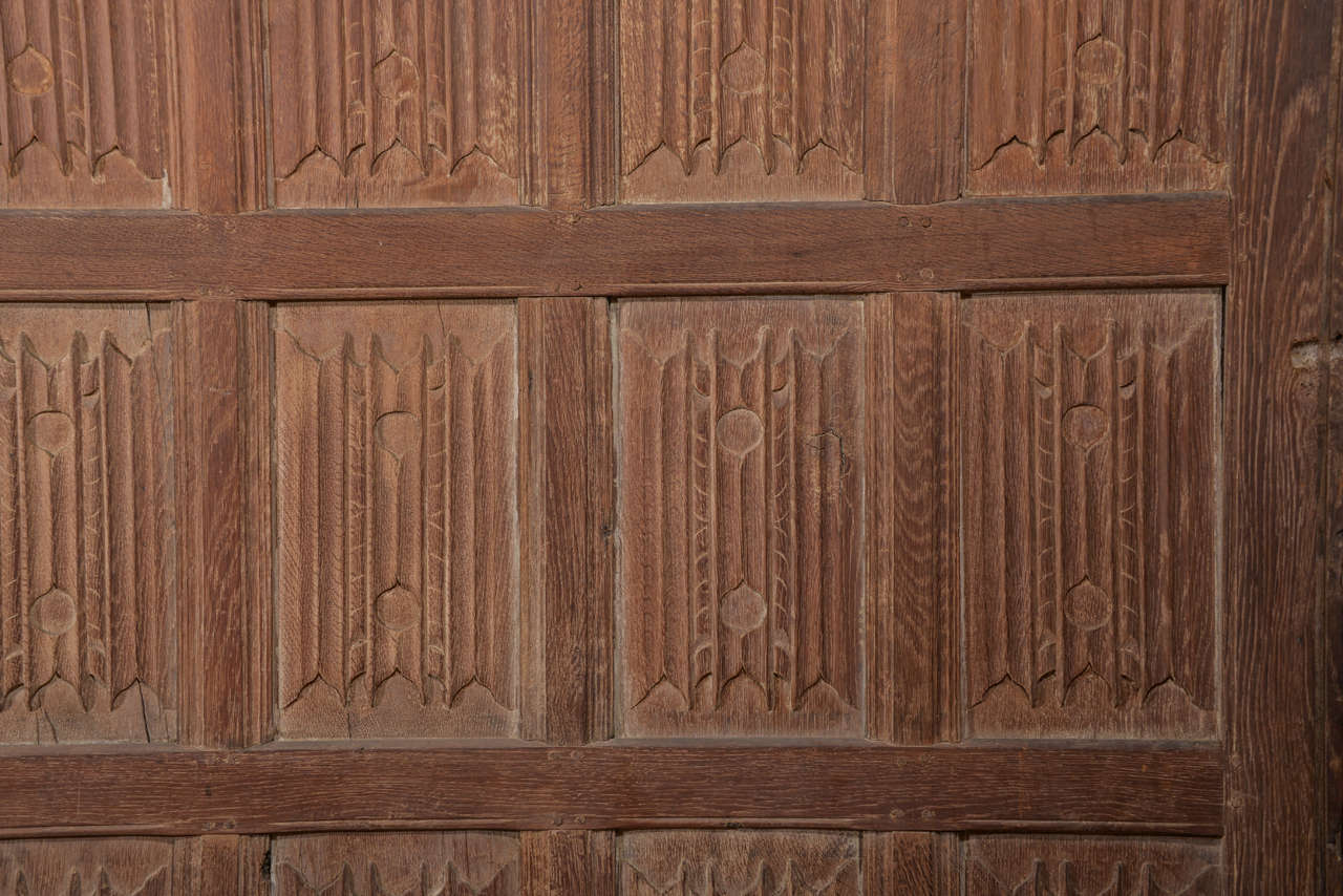 English Set of Eleven 16th Century Carved Linenfold Wood Panels For Sale