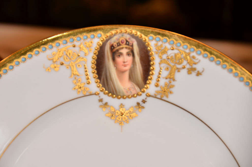 19th c set of Austrian Royal Vienna plates In Excellent Condition For Sale In Dallas, TX