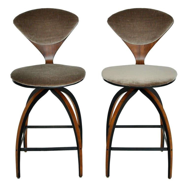 Plycraft bar stools norman cherner at 1stdibs - Norman cherner barstool ...