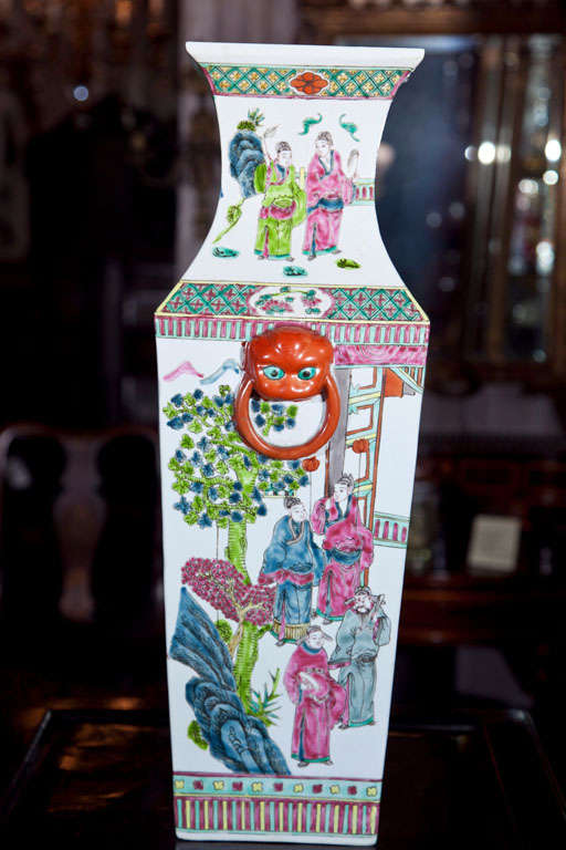 20th Century Pair Of Chinese Vases For Sale