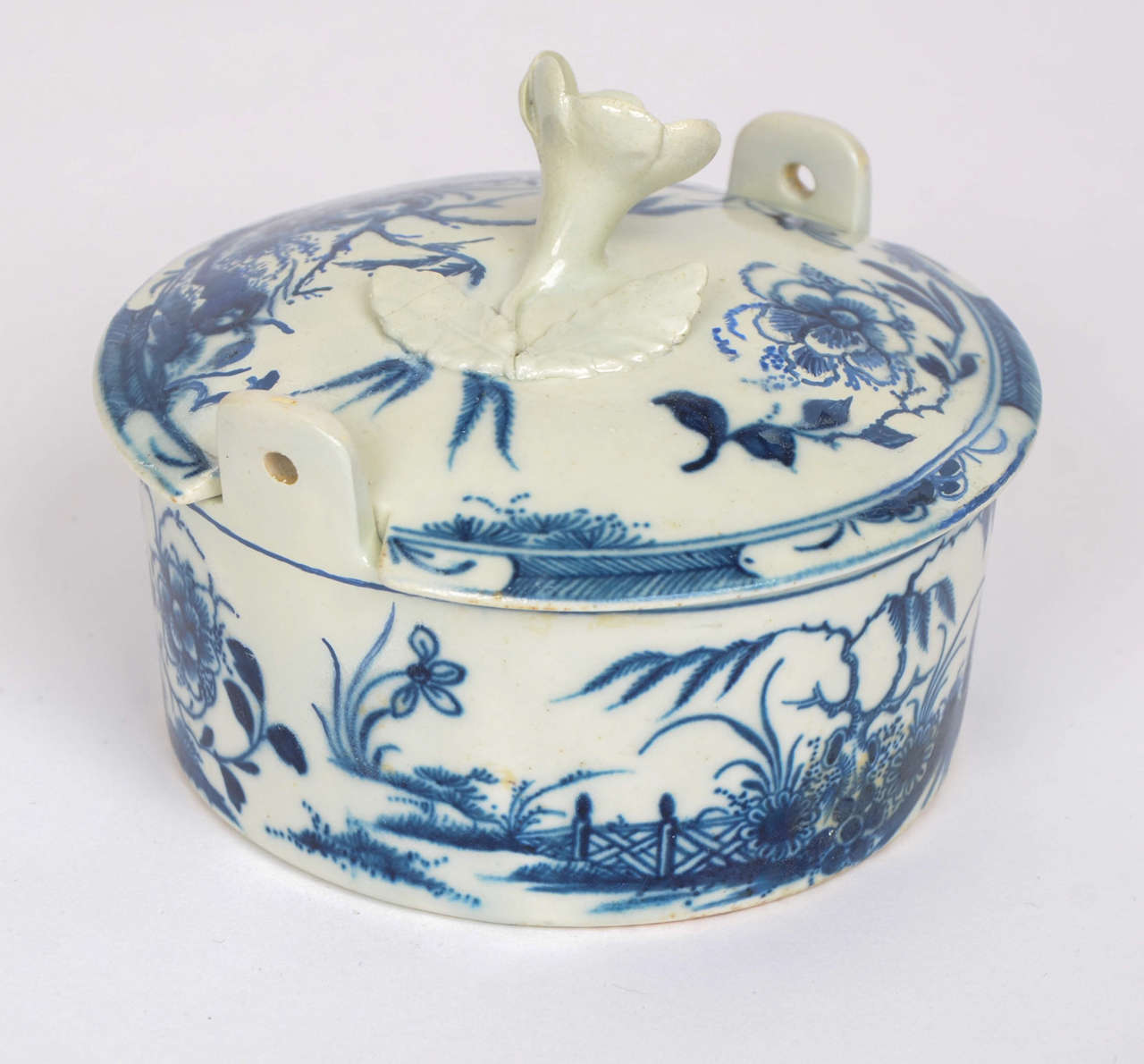 Rare first period worcester blue and white porcelain for Porcelain bathtubs for sale