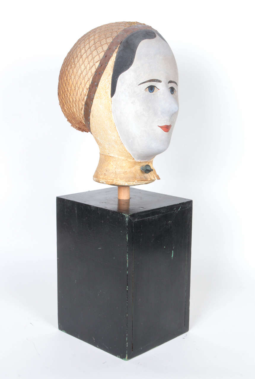 19th Century French Wig Stand by Louis Danjard In Good Condition For Sale In New York, NY