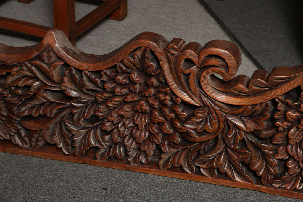 Javanese 19th Century Large Carved Teak Architectural Panel With Foliage Motifs For Sale 1