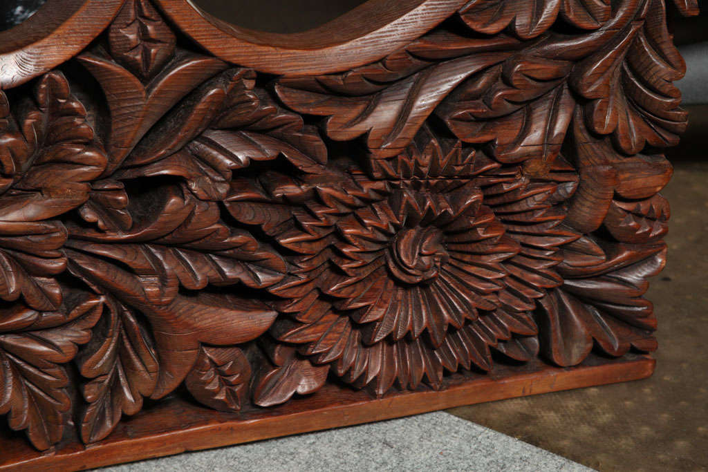 Javanese 19th Century Large Carved Teak Architectural Panel With Foliage Motifs For Sale 2