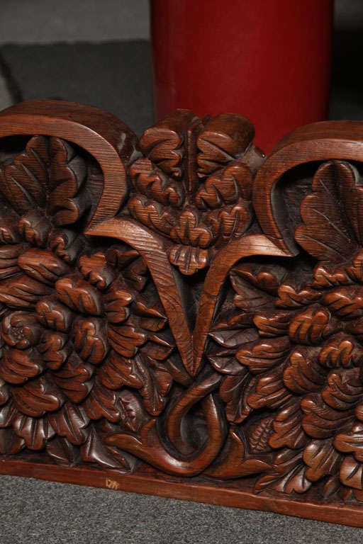 Javanese 19th Century Large Carved Teak Architectural Panel With Foliage Motifs For Sale 5
