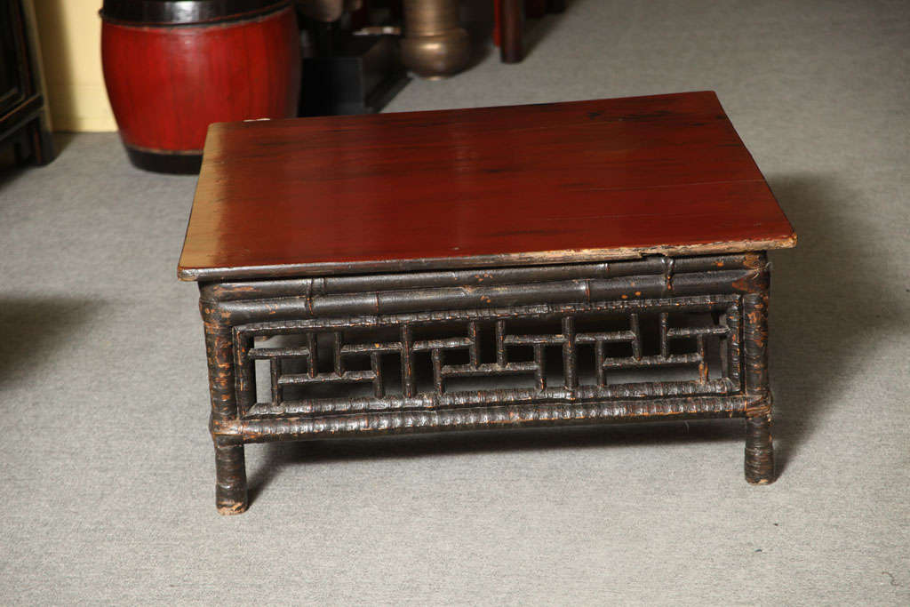 Small 19th Century Chinese Bamboo with Red Lacquered Top Coffee Table In Good Condition For Sale In Yonkers, NY