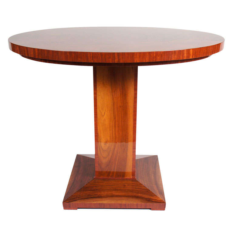 Small art deco oval rosewood table at 1stdibs for Petite table deco