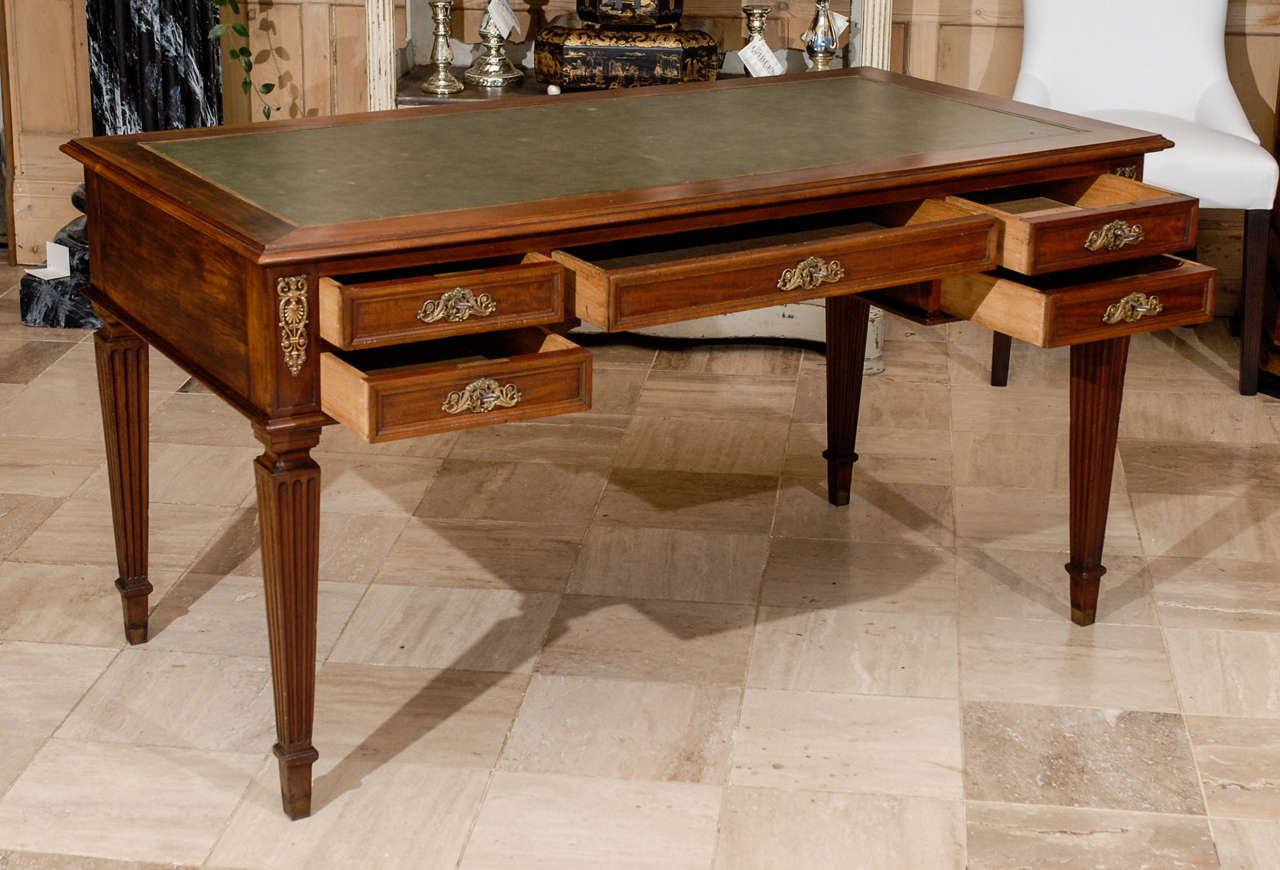 vintage french louis xvi style bureau plat at 1stdibs. Black Bedroom Furniture Sets. Home Design Ideas