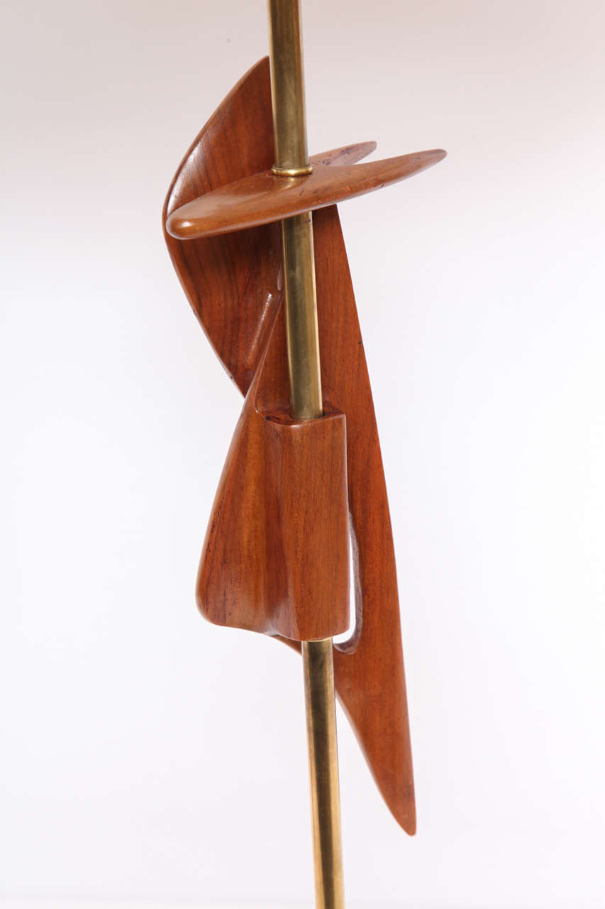 1950s Sculptural Amorphic Wood and Brass Table Lamp For Sale 1