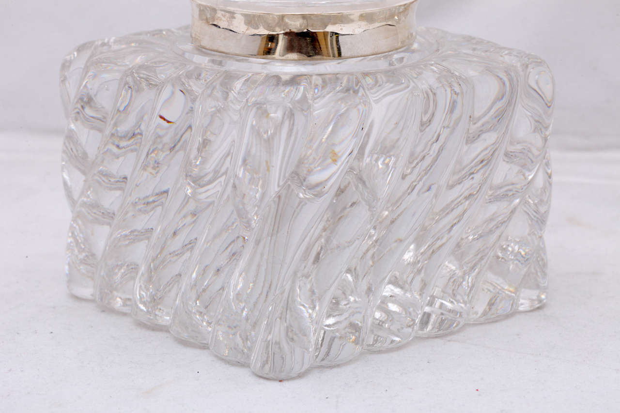 Very Large Victorian Sterling Silver-Mounted Swirled Crystal Inkwell In Excellent Condition For Sale In New York, NY