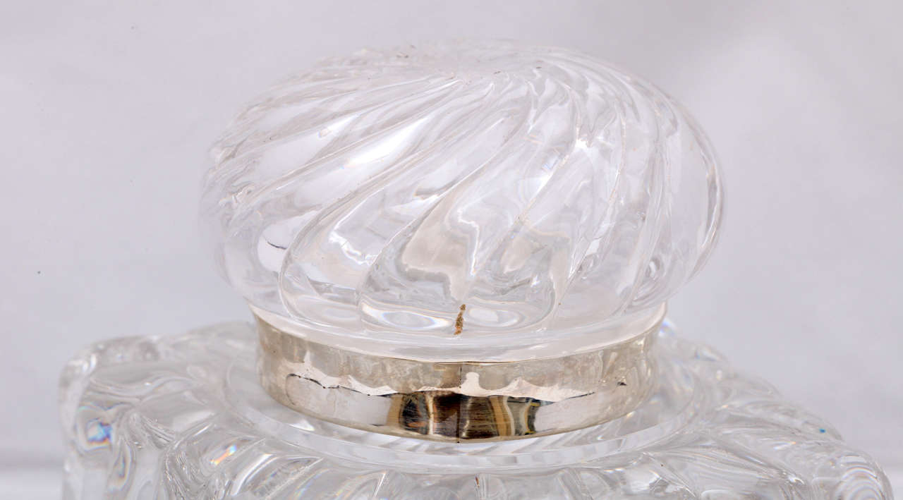 Very Large Victorian Sterling Silver-Mounted Swirled Crystal Inkwell For Sale 4