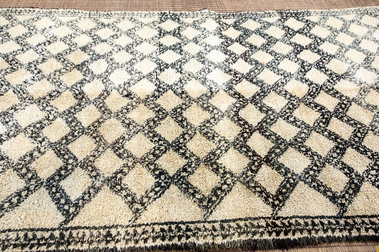Beni Ouarain Shaggy Moroccan Rug North Africa For Sale 1