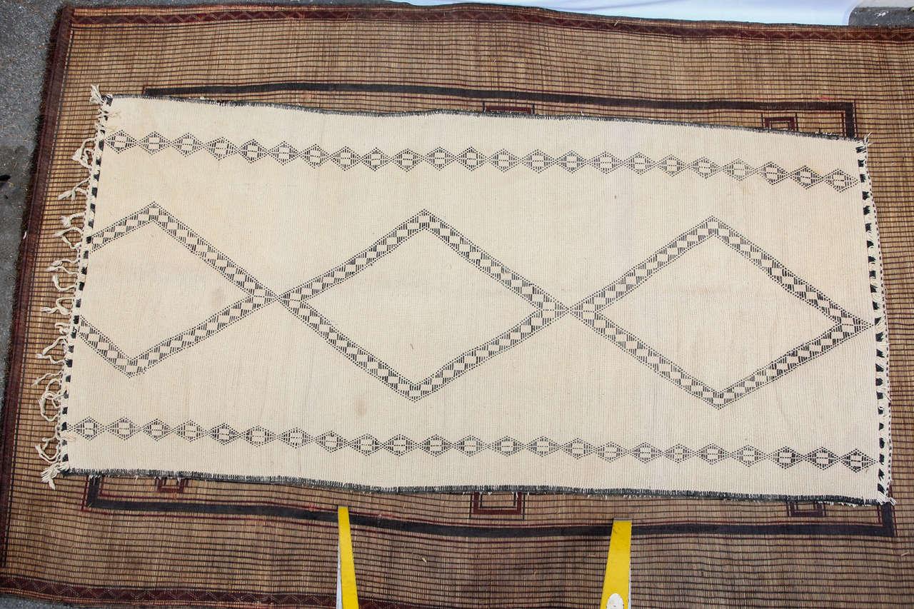 Moroccan Beni Ouarain Giant White Rug For Sale 3