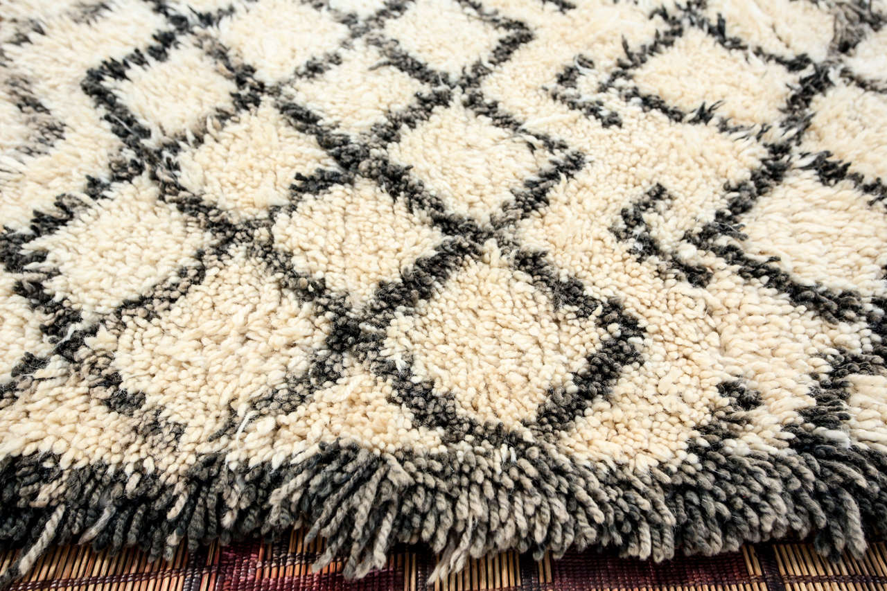 Vintage Mid Century Beni Ouarain Moroccan Rug For Sale 2