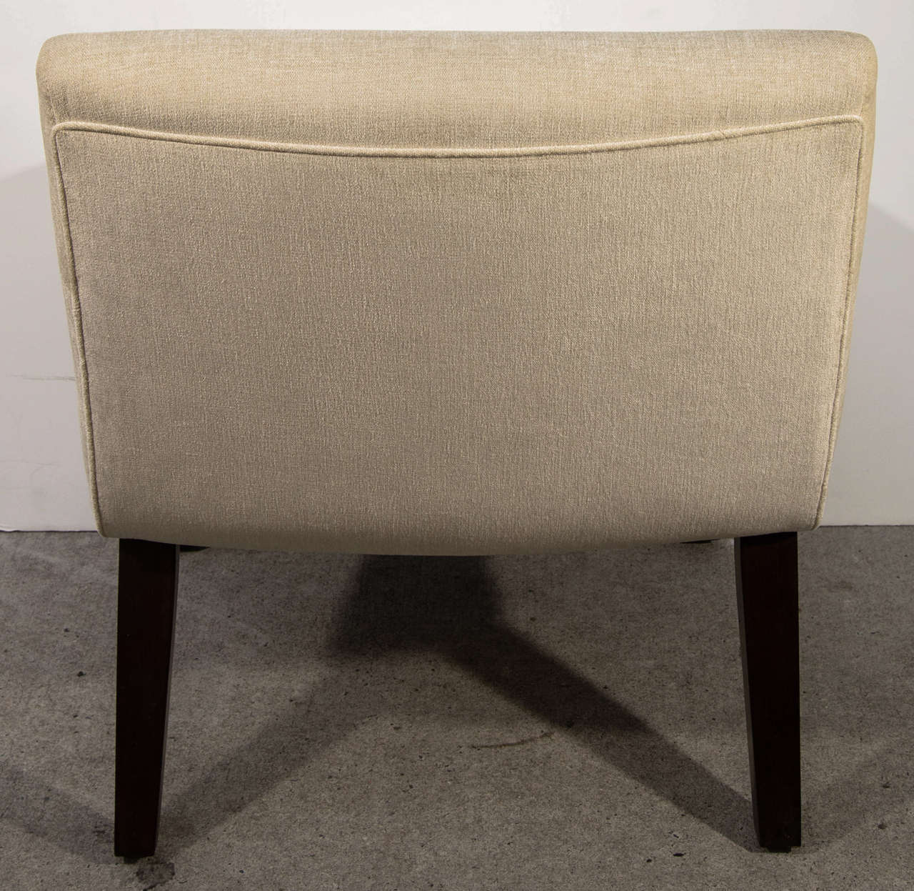 Mid-Century Modern Slipper Chair in the Style of Jens Risom For Sale 1
