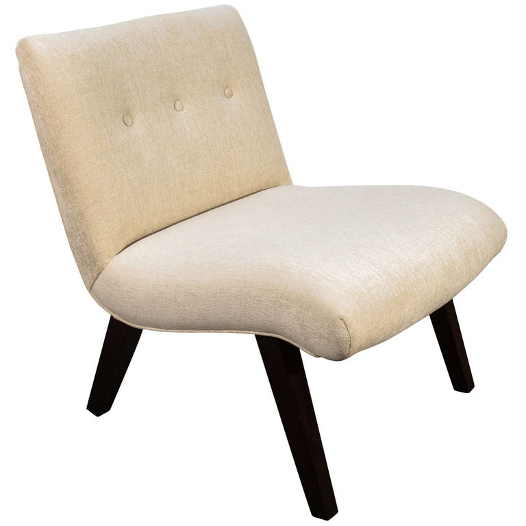 Mid-Century Modern Slipper Chair in the Style of Jens Risom For Sale