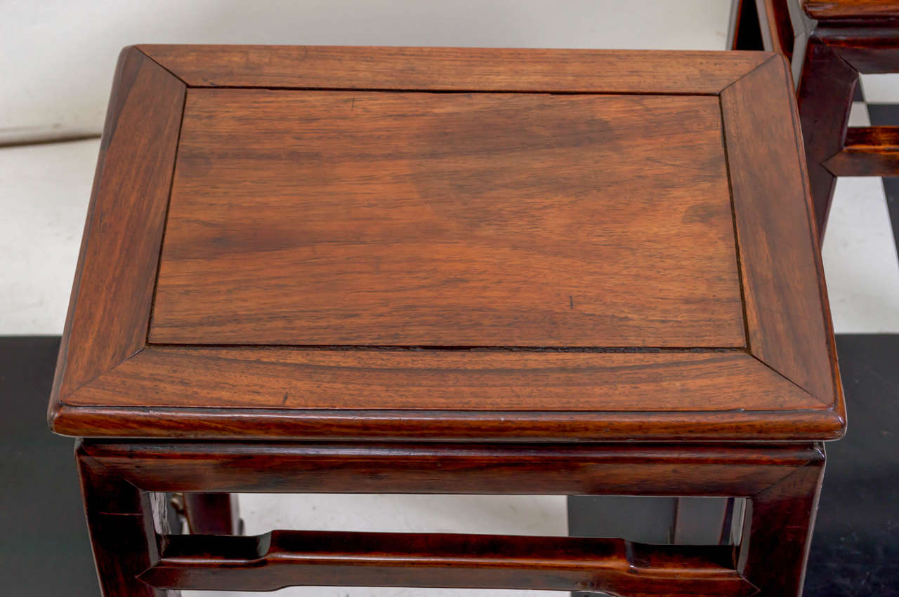 Pair of Late 19th Century Chinese Rosewood Side Tables In Good Condition  For Sale In San - Pair Of Late 19th Century Chinese Rosewood Side Tables At 1stdibs