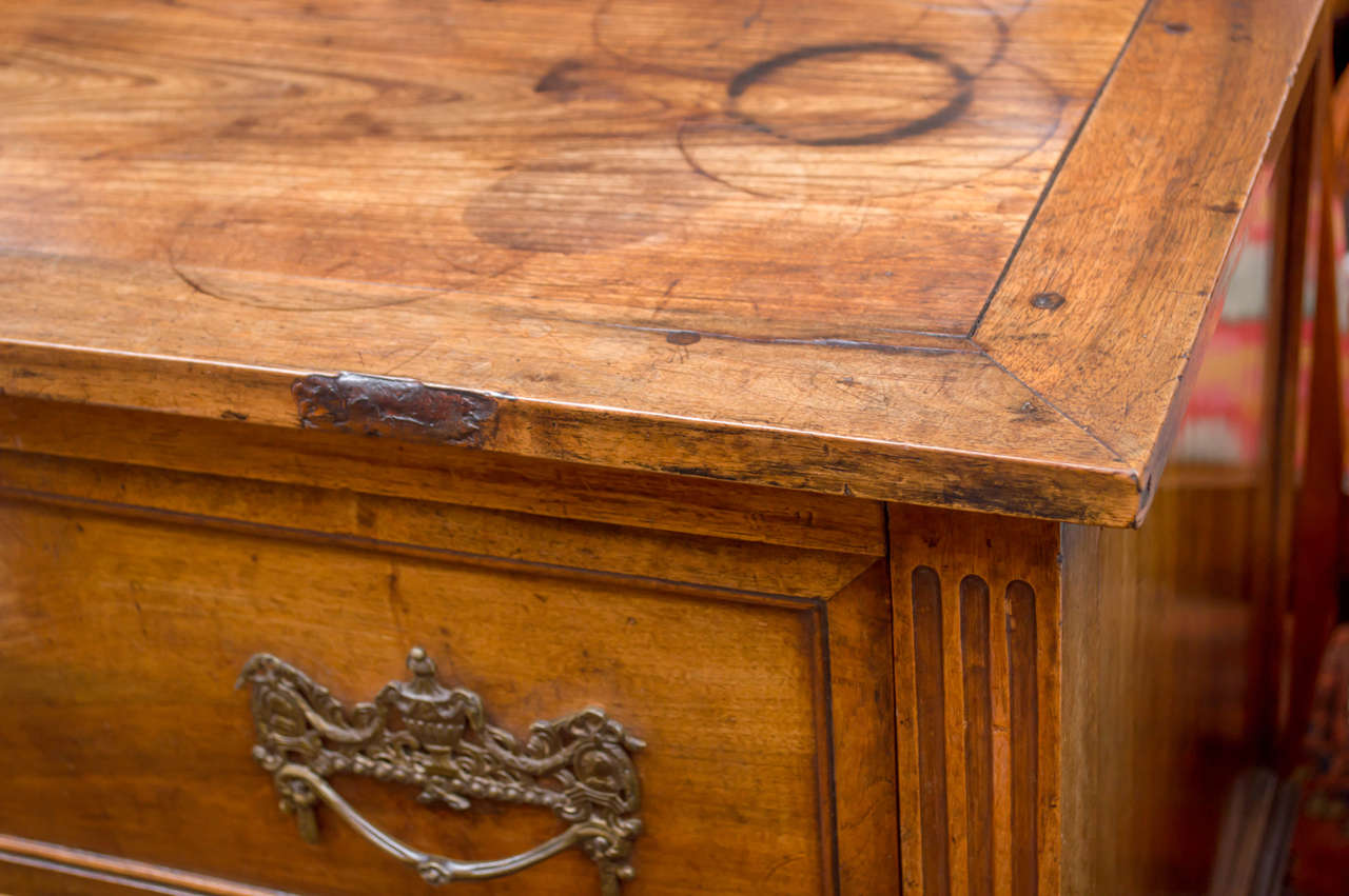 18th Century Italian Neoclassic Two-Drawer Commode For Sale 1
