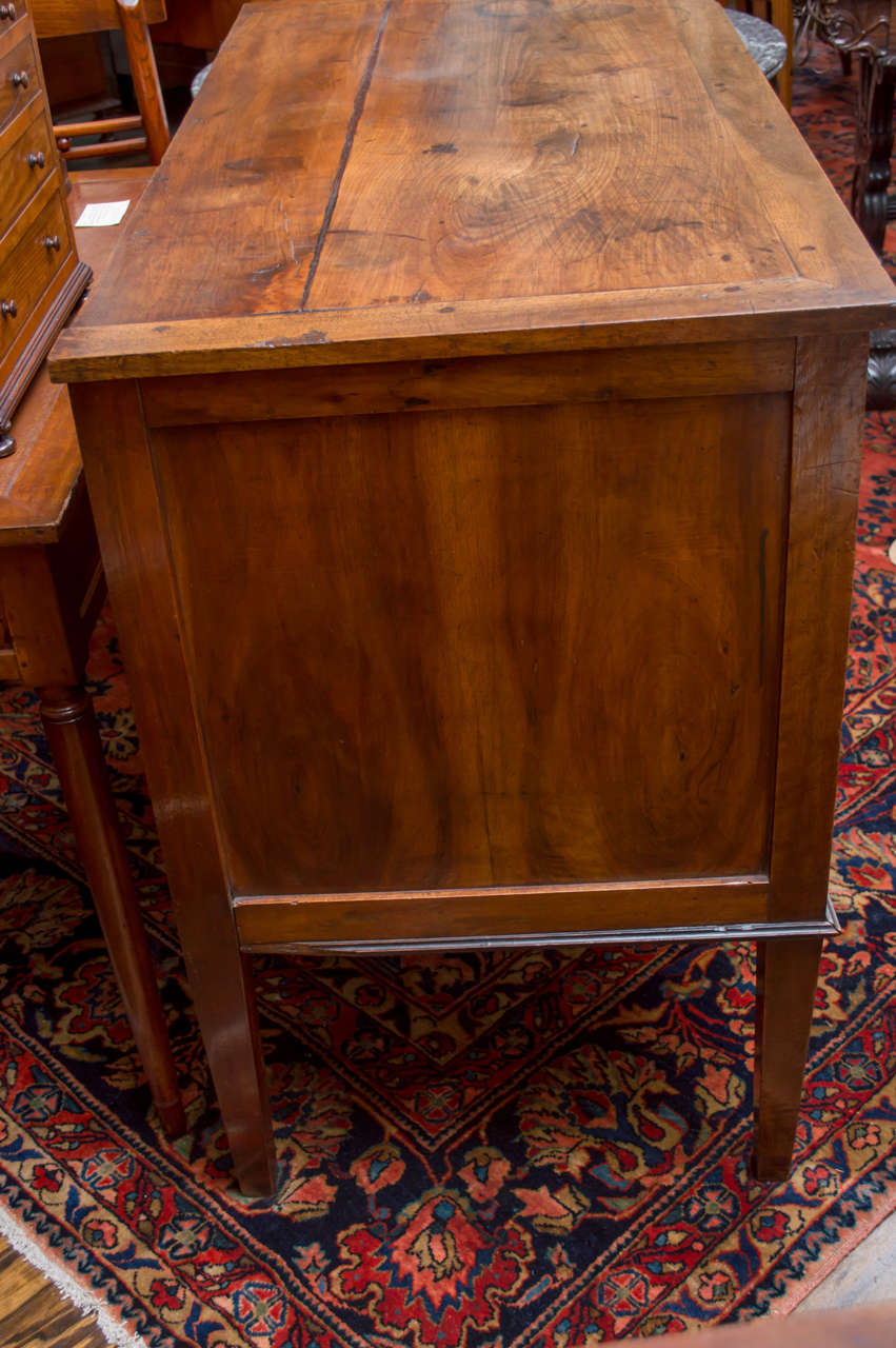 18th Century Italian Neoclassic Two-Drawer Commode For Sale 3