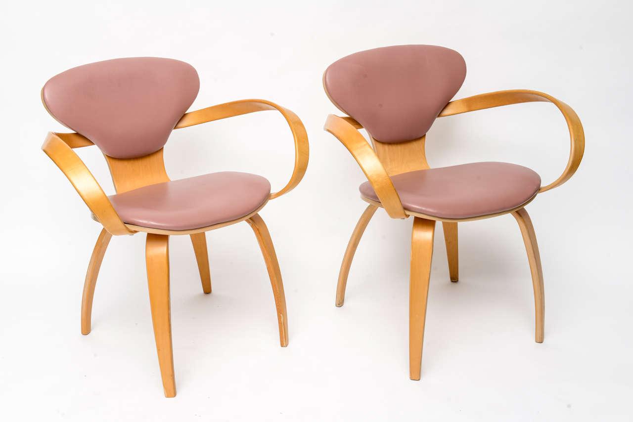 Mid-Century Modern Normal Cherner Pretzel Chairs for Plycraft For Sale