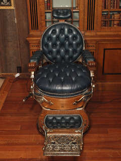Antique American Barber's Chair circa 1890 thumbnail 2