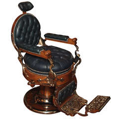 Antique American Barber's Chair circa 1890 thumbnail 1