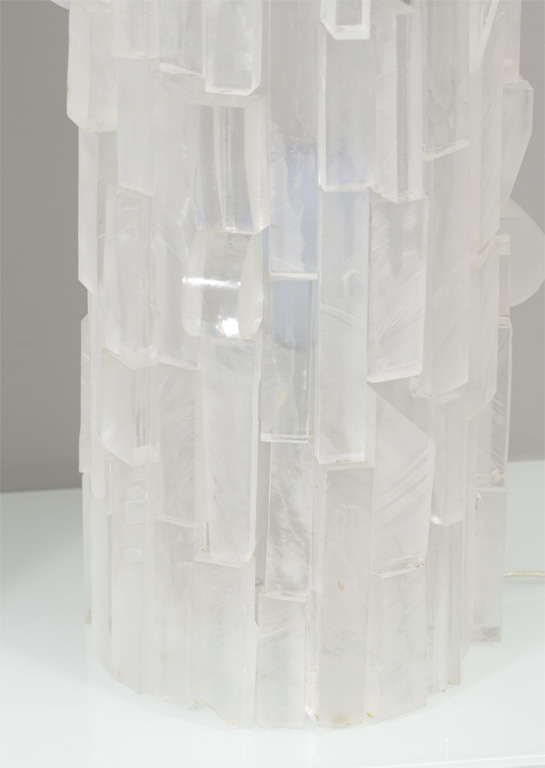 Pair of Frosted Acrylic Cylinder Table Lamps In New Condition For Sale In New York, NY