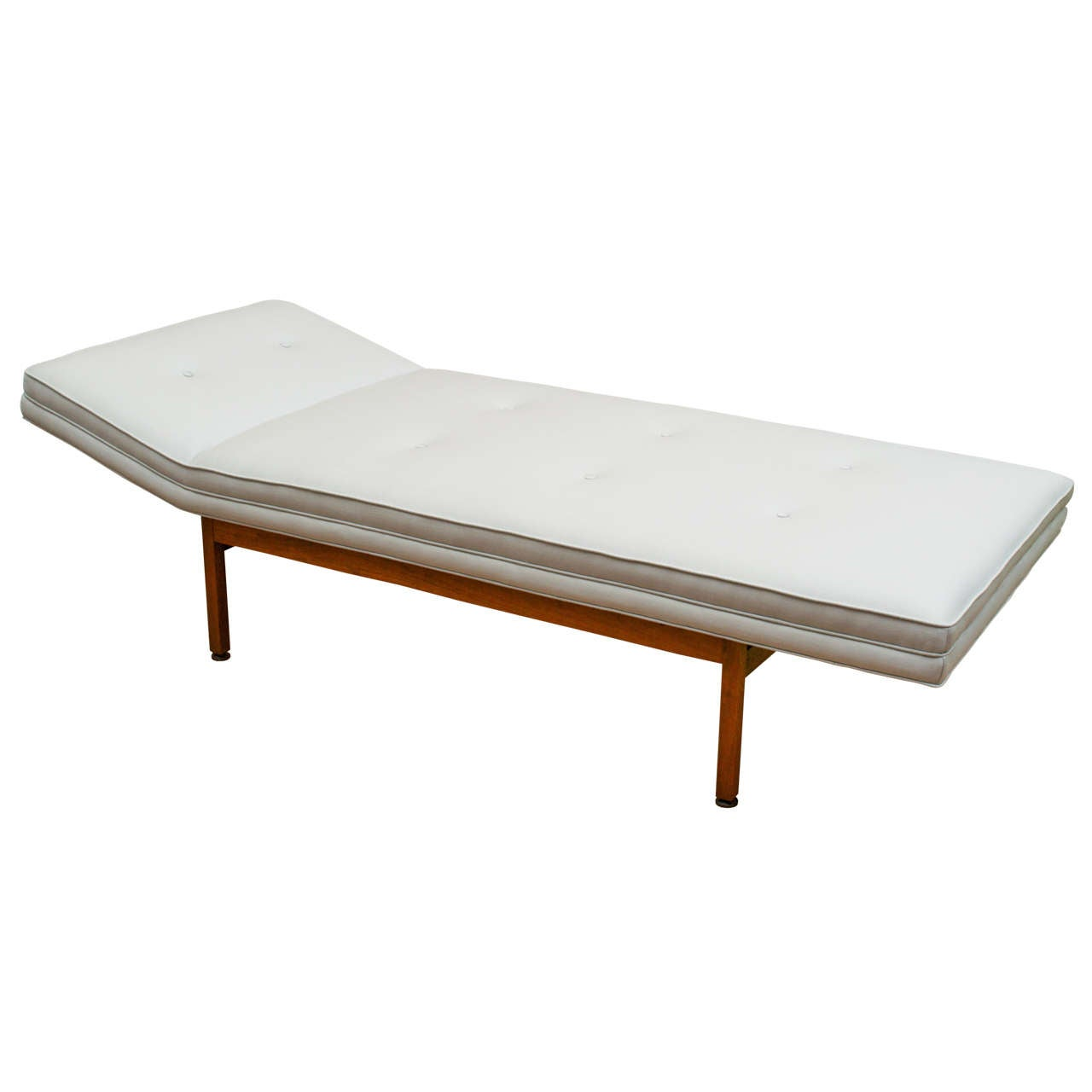 Mid century chaise lounge at 1stdibs for Chaise longue or chaise lounge