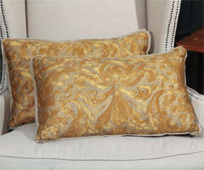 fortuny and linen pillows image 2