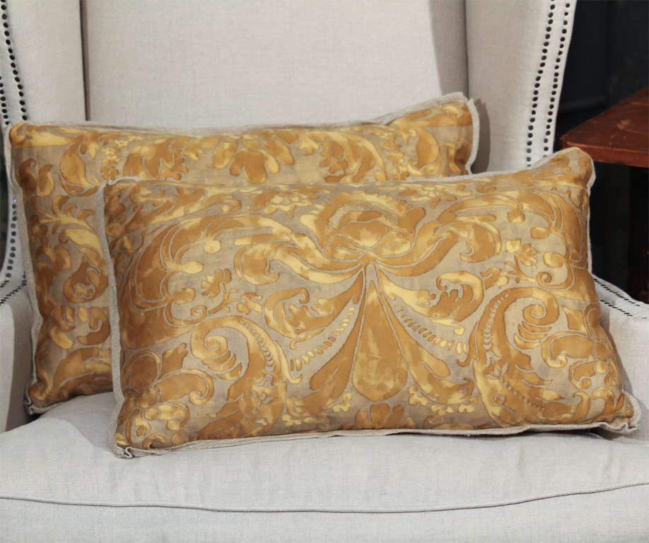 fortuny and linen pillows 2
