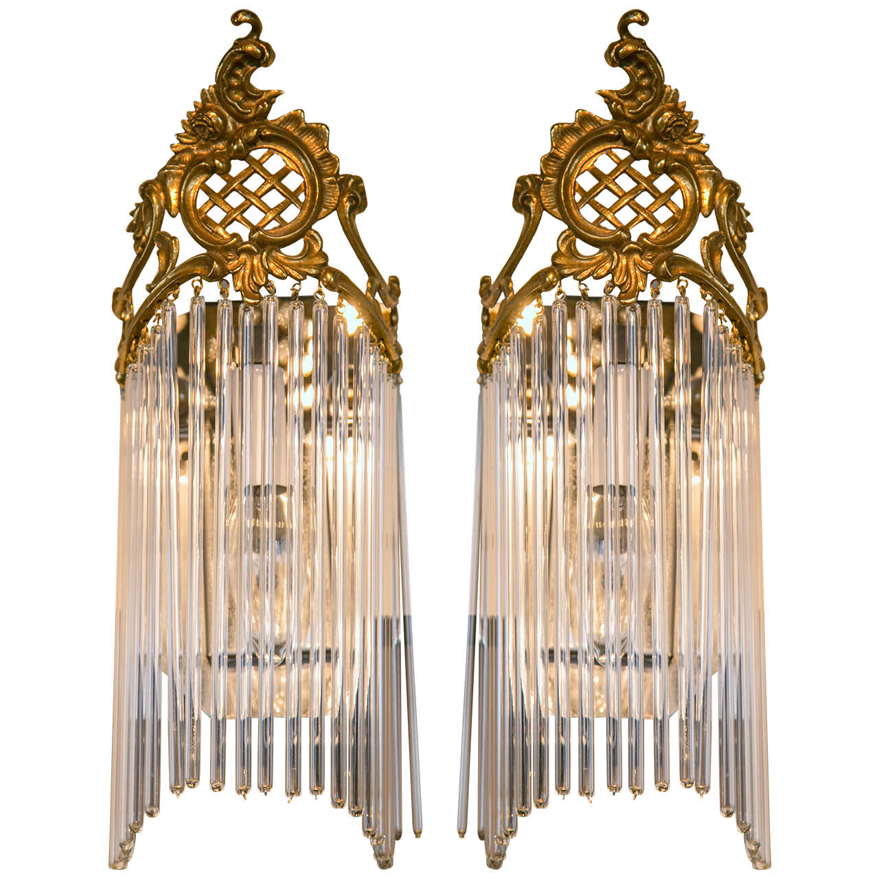 Charmant Pair Of Art Nouveau Wall Sconces For Sale