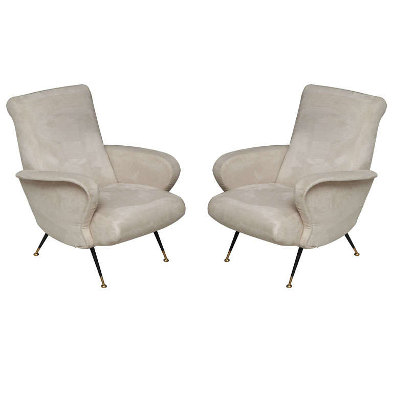 Pair of mid century modern italian armchairs at 1stdibs for Mid century modern armchairs