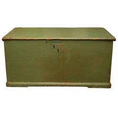 Green Canadian Blanket Box