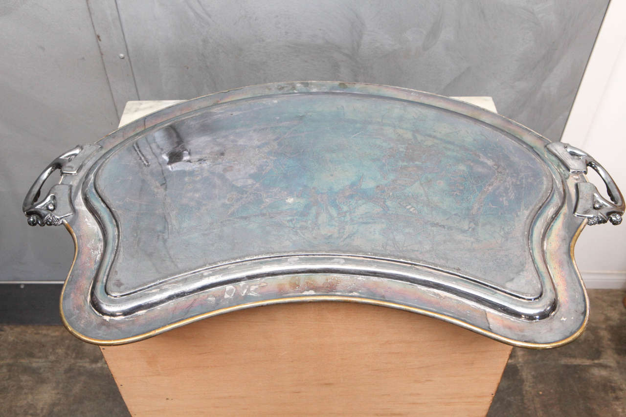 Silver Plated Butler Tray with Articulated Cherub Handles For Sale 4