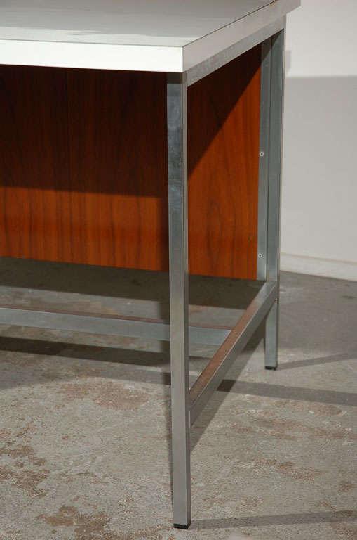 Desk by florence knoll at 1stdibs - La table de florence seignosse ...