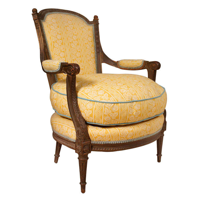 Louis xv style carved fauteuil at 1stdibs - Fauteuil bergere moderne ...
