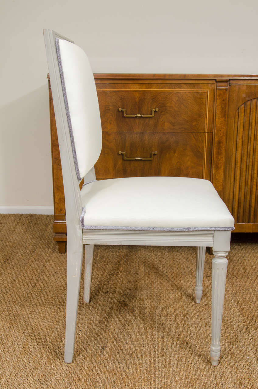 Set of Louis XVI Style Dining Chairs In Good Condition For Sale In New York, NY