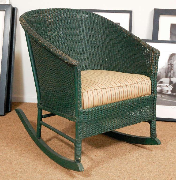 3pc Suite of Wicker Furniture 7