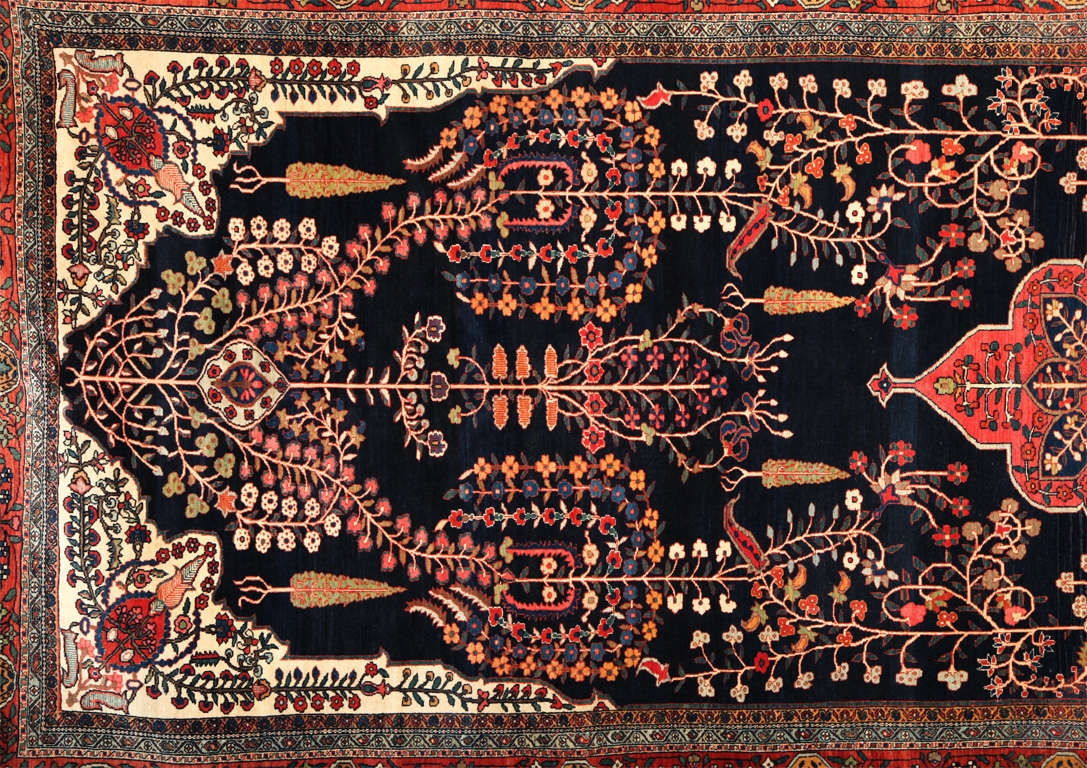 Persian Sarouk Fereghan Carpet with Wool Pile and Vegetal Dyes, circa 1880 For Sale 2