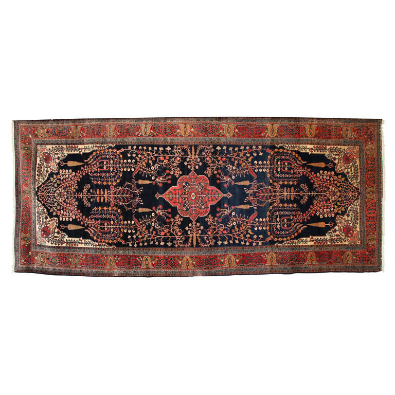 Persian Sarouk Fereghan Carpet with Wool Pile and Vegetal Dyes, circa 1880