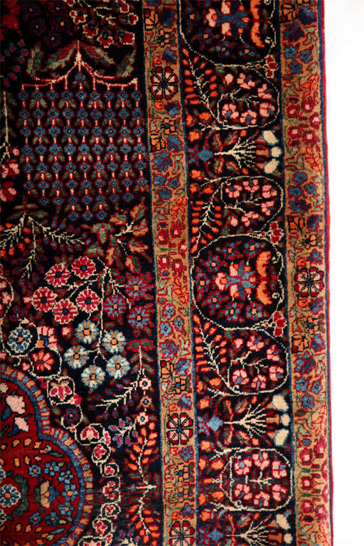 Persian Amoghli Carpet with Organic Wool and Dyes, circa 1890 In Excellent Condition For Sale In New York, NY